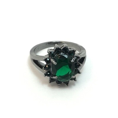 Emerald Green Ring Size 6