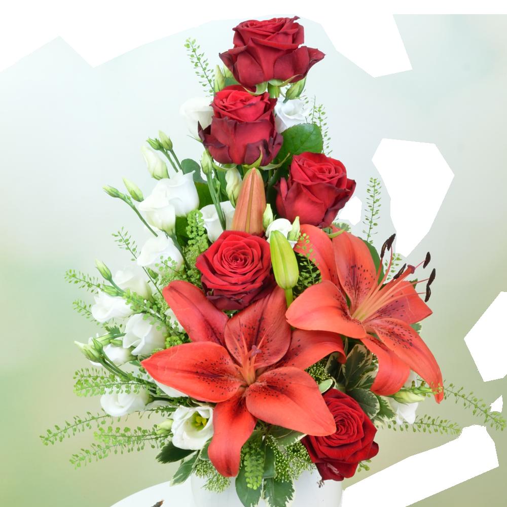 Červeno-biela kytica s ľaliou