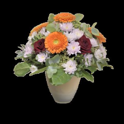 Kytica s oranžovými gerberami a červenými ružami