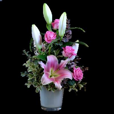 Ružové ruže s ružovou ľaliou