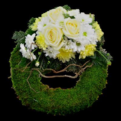 Smútočný veniec s bielymi ružami