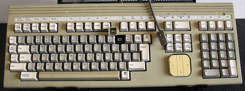 Tektronix 119-2468-03 Keyboard