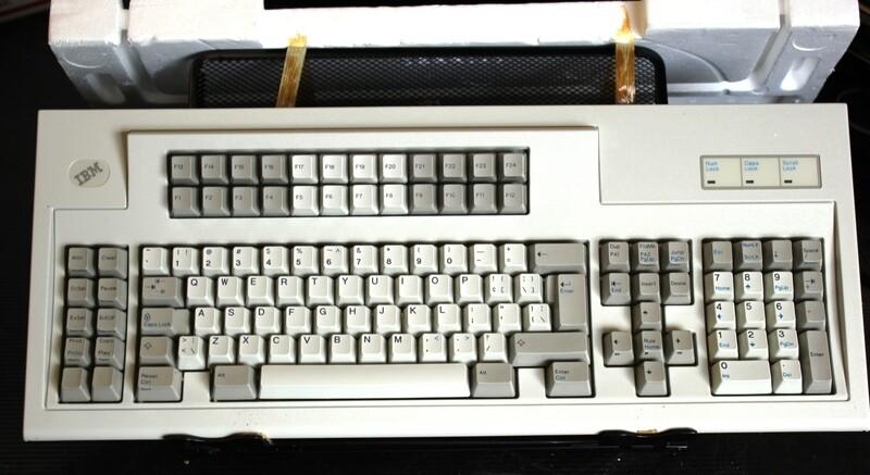 IBM 1397000 3270 style Keyboard, NIB