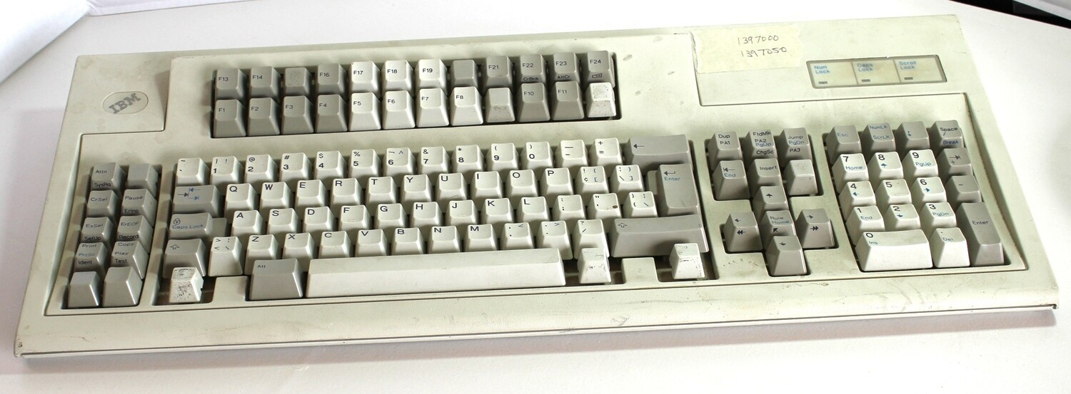 IBM 1397000 3270 style Keyboard, for repair