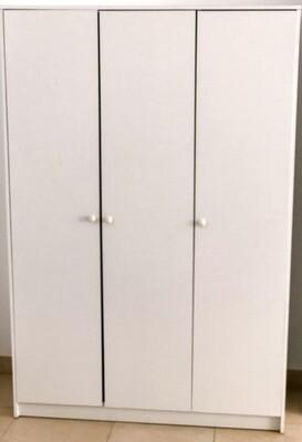Wardrobe / Armario