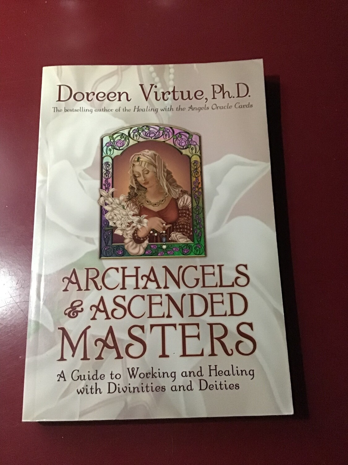 Archangels & Ascended Masters (LIKE NEW)