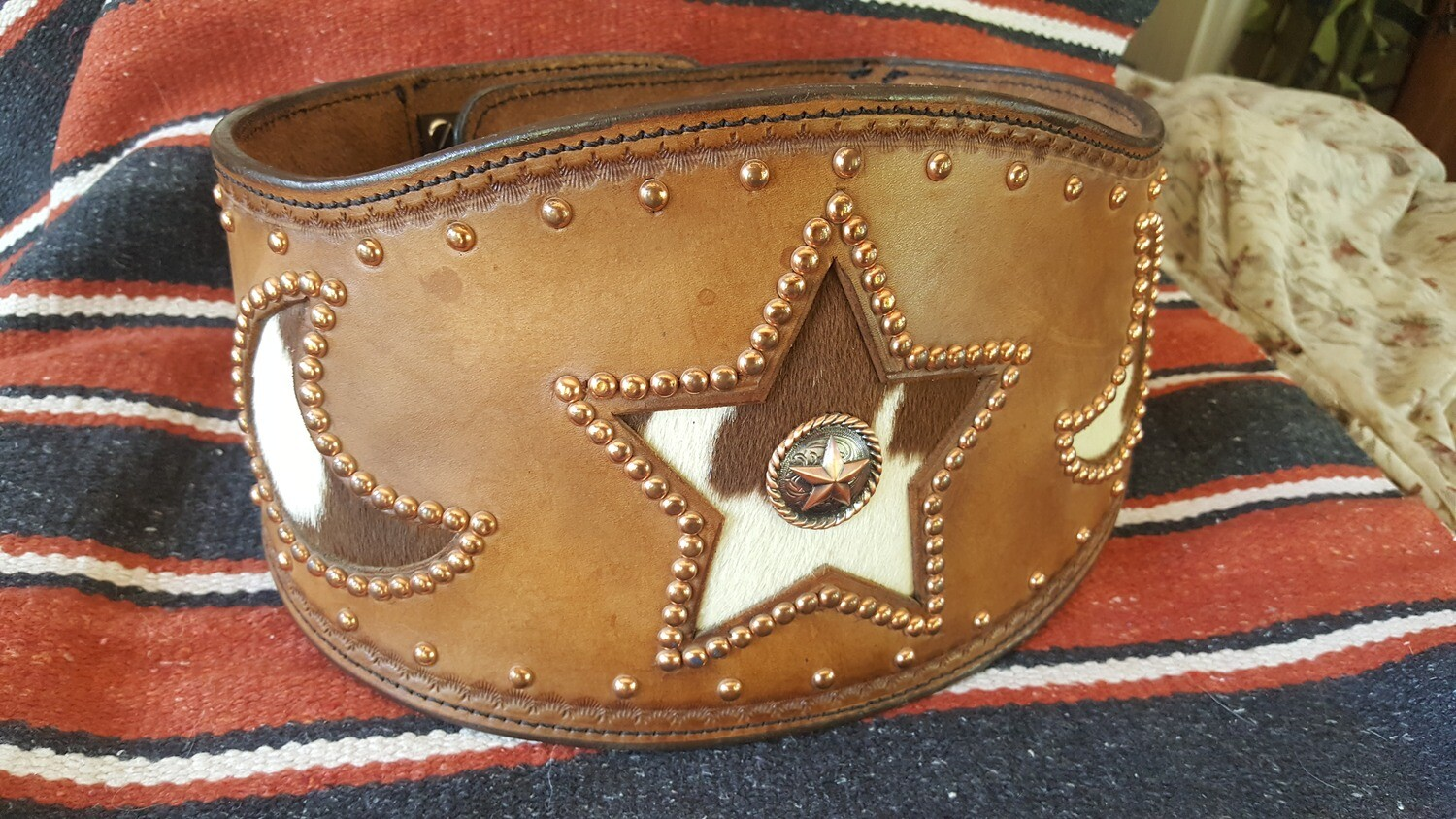 Ladies' Leather Bronco Buster Belt