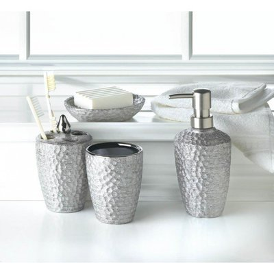 HAMMERED SILVER TEXTURE BATH SET by Accent Plus