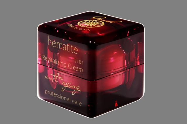 Hematite Revitalizing Cream
