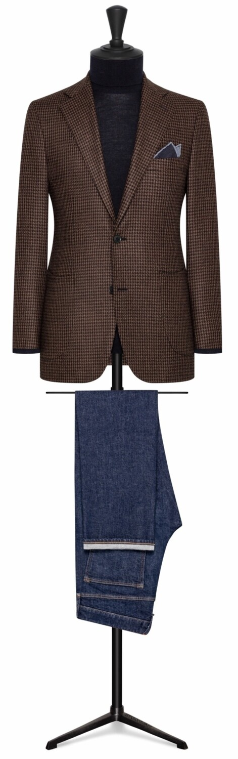 Medium Brown Small Houndstooth in Single Breasted Notch Lapel Two Button w/ Lower Patch Pockets