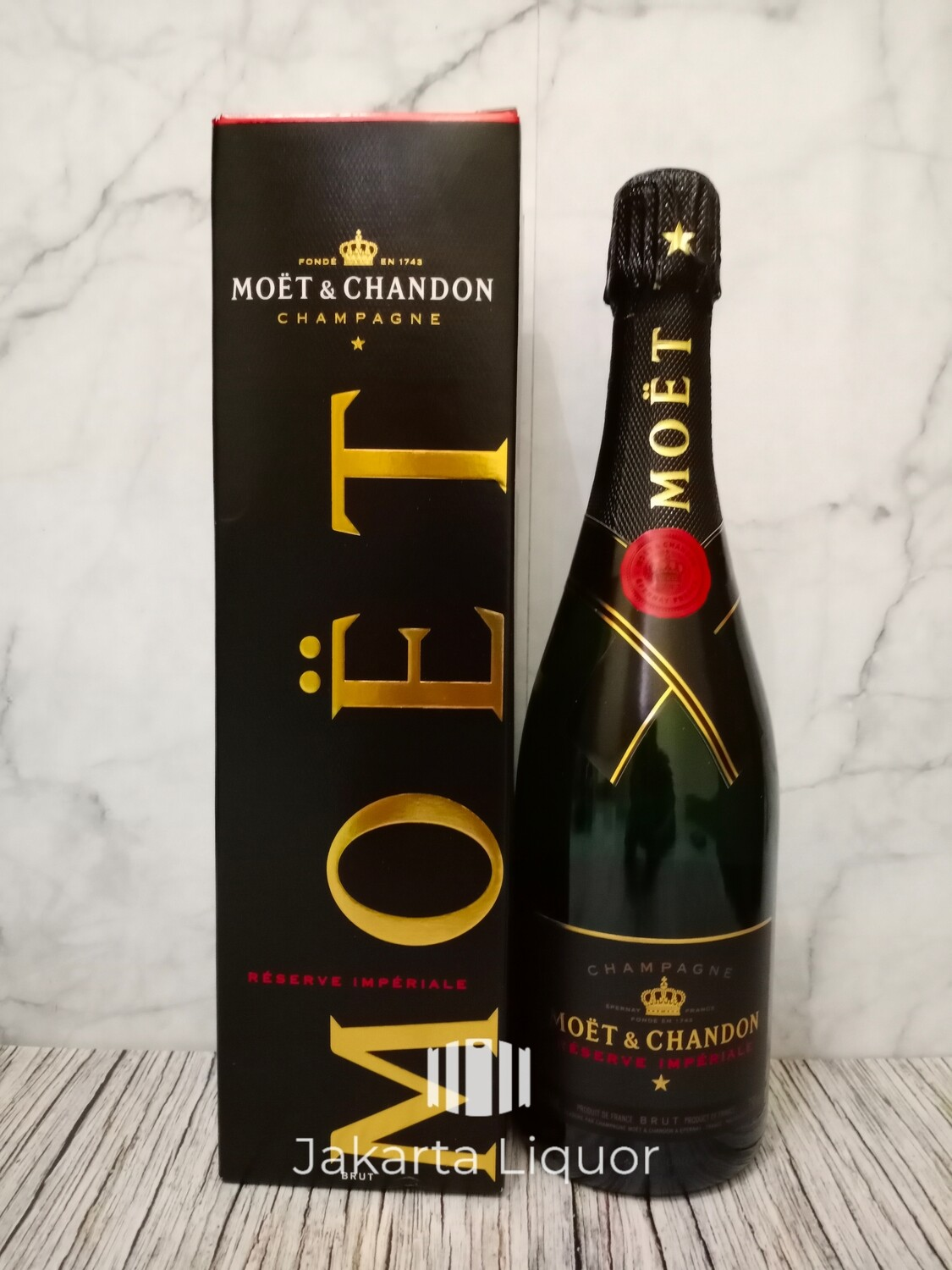 Moet & Chandon Reserve Imperiale with gift box 750ML