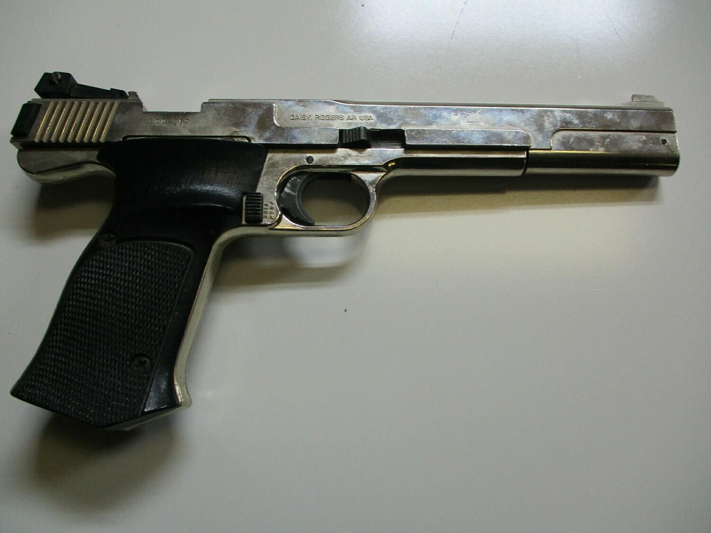 53 Daisy mod. Power Line 41 .177 cal pistol w/3 CO2 canisters ser # 3C02869
