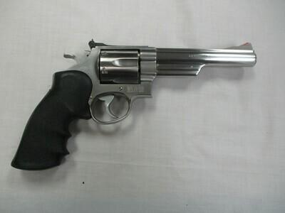 24 Smith & Wesson mod 629-1 44 Magnum cal Revolver
