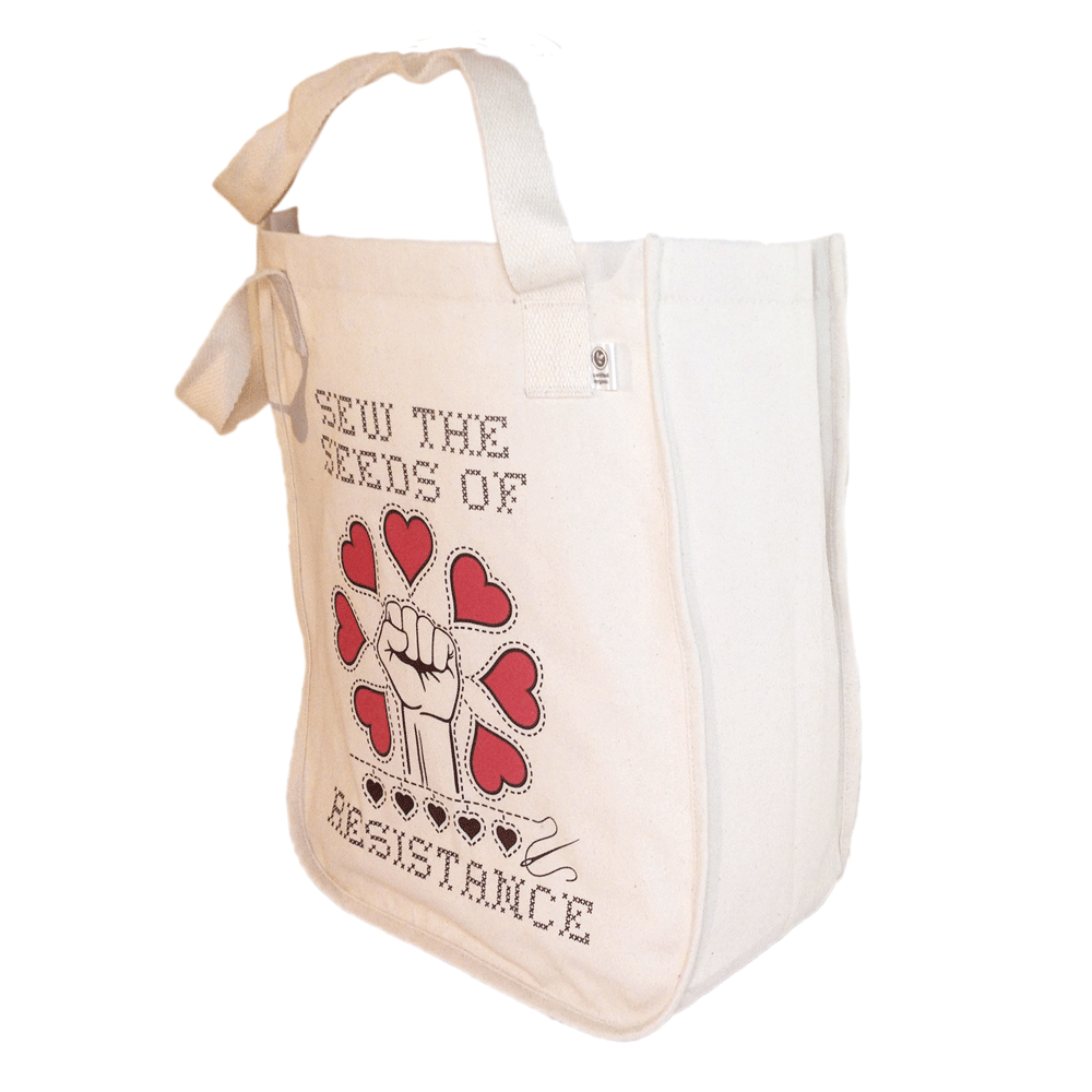 Tote side depth - 7""