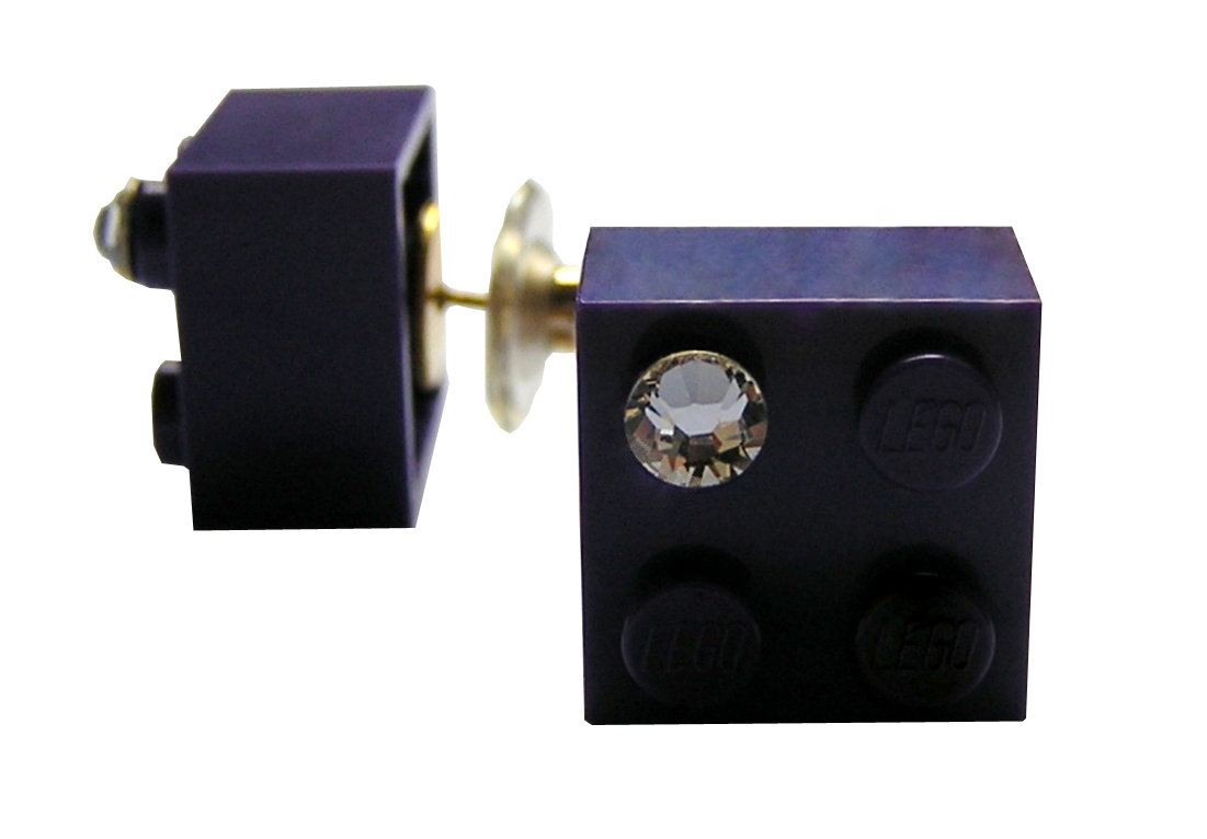 Purple LEGO® brick 2x2 with a 'Diamond' color SWAROVSKI® crystal on a Gold plated stud/silicone back stopper