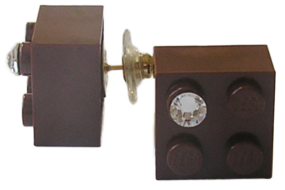 Brown LEGO® brick 2x2 with a 'Diamond' color SWAROVSKI® crystal on a Gold plated stud/silicone back stopper