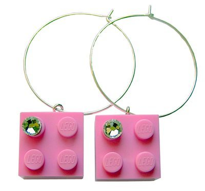 ​Light Pink LEGO® brick 2x2 with a 'Diamond' color SWAROVSKI® crystal on a Silver plated hoop