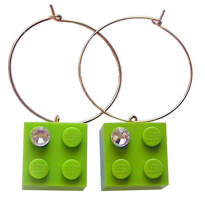 Light Green LEGO® brick 2x2 with a 'Diamond' color SWAROVSKI® crystal on a Gold plated hoop