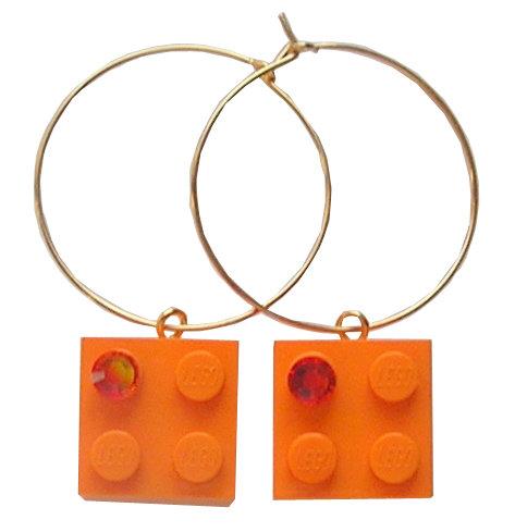 Orange LEGO® brick 2x2 with an Orange SWAROVSKI® crystal on a Gold plated hoop
