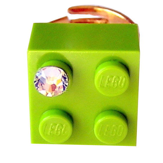 Light Green LEGO® brick 2x2 with a 'Diamond' color SWAROVSKI® crystal on a Gold plated adjustable ring finding
