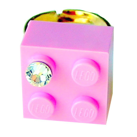 ​Light Pink LEGO® brick 2x2 with a 'Diamond' color SWAROVSKI® crystal on a Gold plated adjustable ring finding