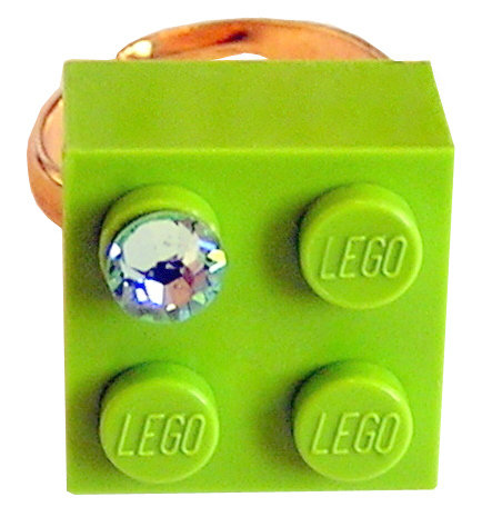 ​Light Green LEGO® brick 2x2 with a Green SWAROVSKI® crystal on a Gold plated adjustable ring finding