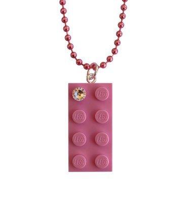 Light Pink LEGO® brick 2x4 with a 'Diamond' color SWAROVSKI® crystal on a 24