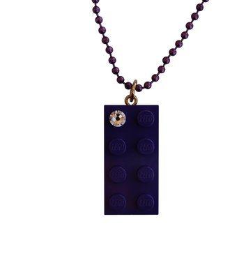 Purple LEGO® brick 2x4 with a 'Diamond' color SWAROVSKI® crystal on a 24