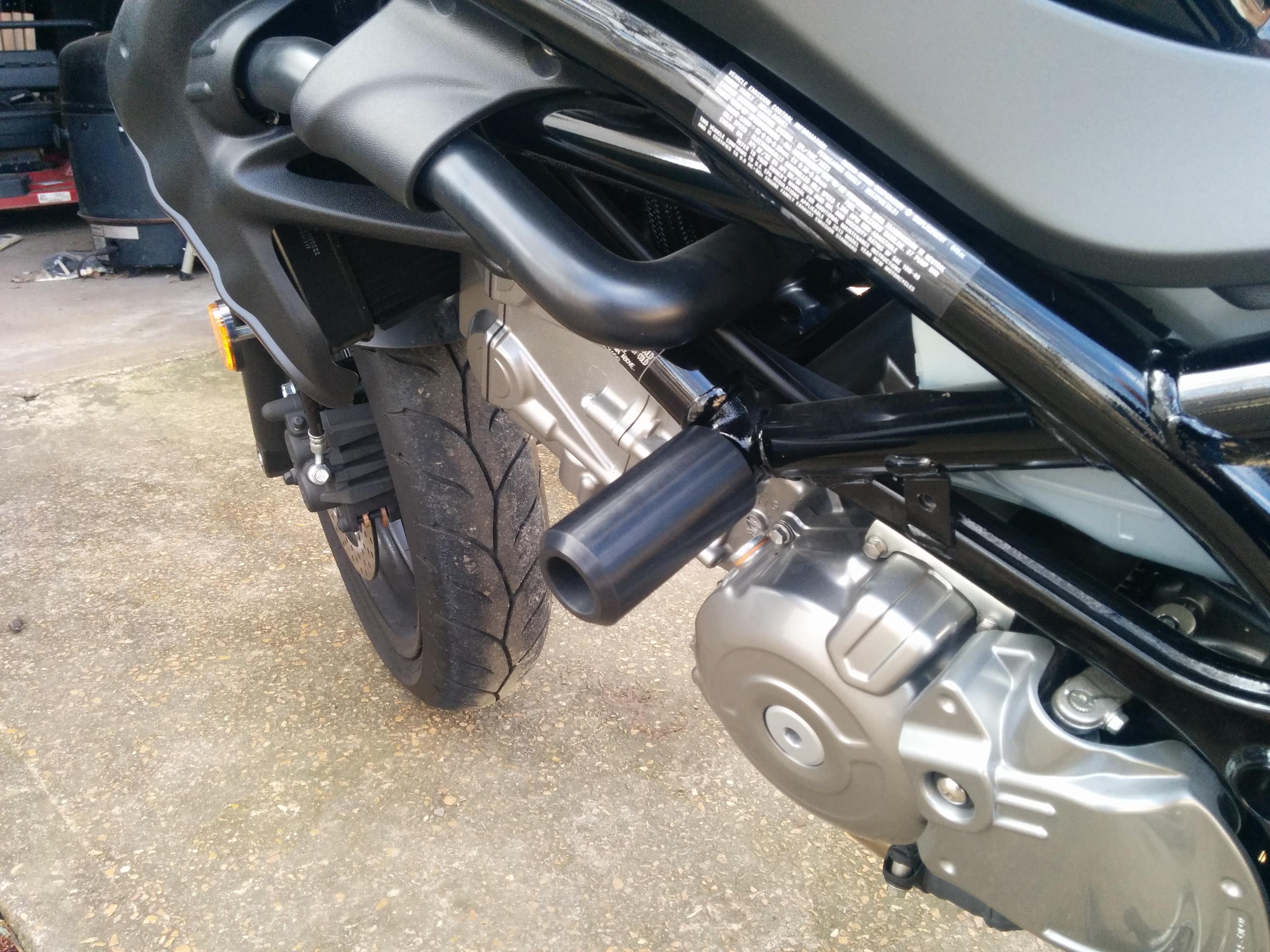 2017 SV650 Motosliders Frame Sliders and 8mm race Swing Arm Sliders COMBO