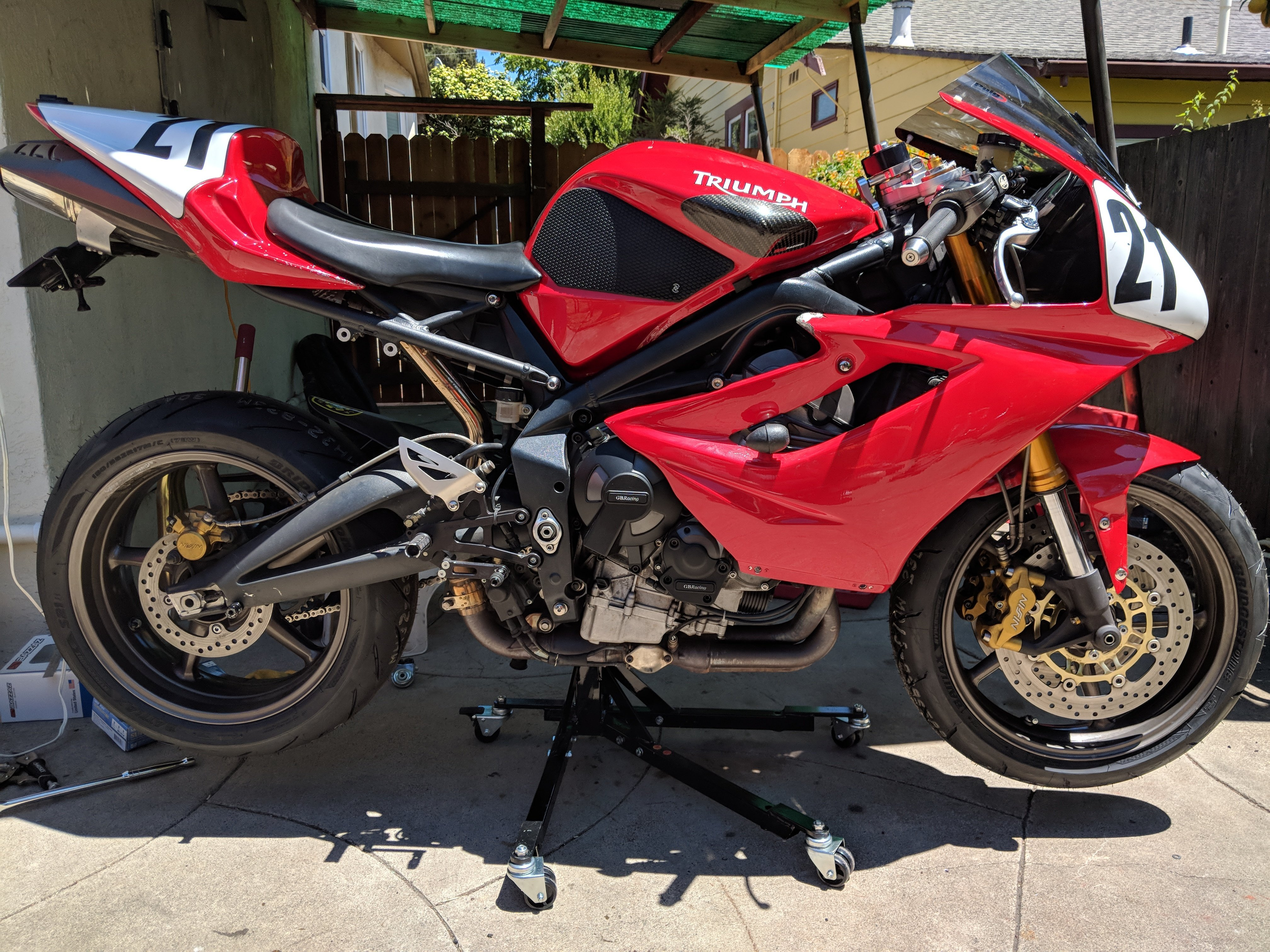 Black Custom Paddock Style Side Lift Stands : 2018 Up Triumph 765 Street Triple Models