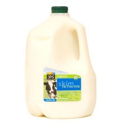 Dairy Milk, 365® Organic 0% Fat Free Skim Milk (1 Gallon Jug)