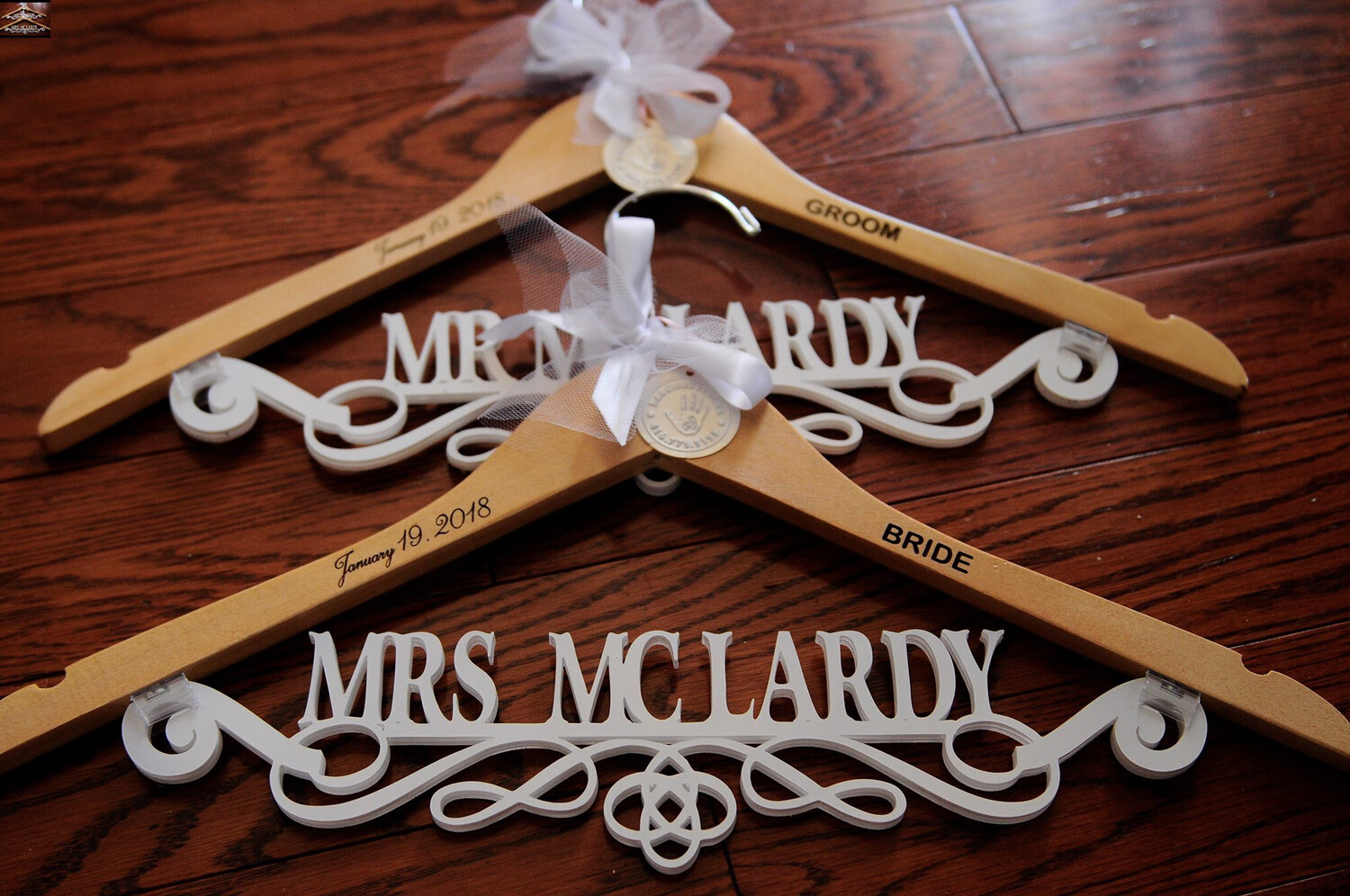 Custom Wedding Hanger, Bridesmaid Gift, Wedding Dress Hangers,Personalize Name Hanger,  rustic Bridal Wedding Hanger