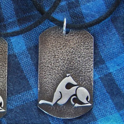 A hound dog tag