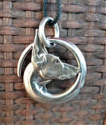 Celtic single hound pendant PODENCO