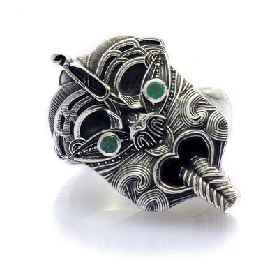 Mutu ring Emerald