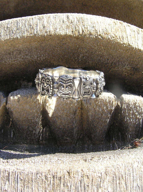 Multi Tiki Ring