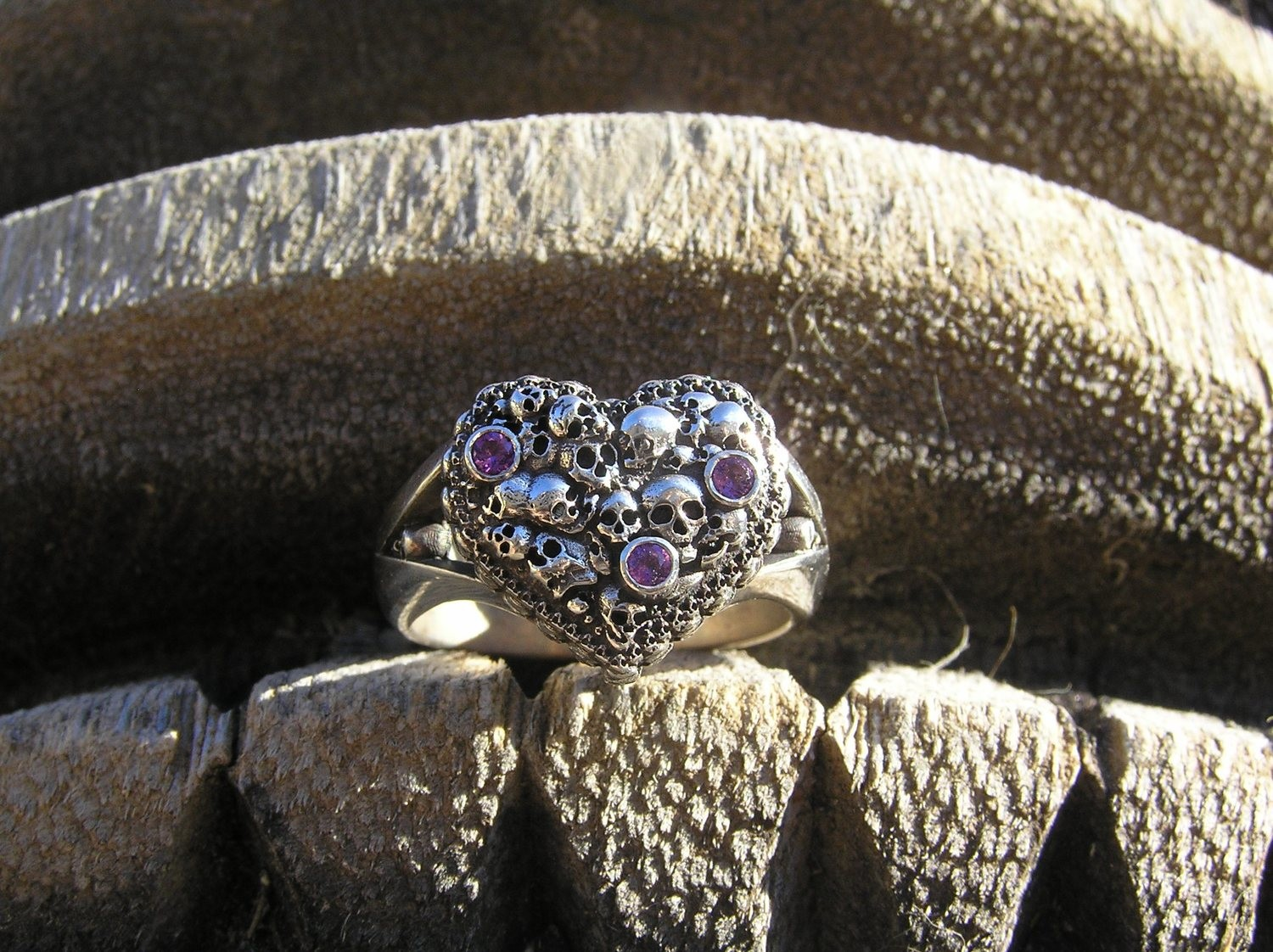 Spartan heart rings with Amethyst