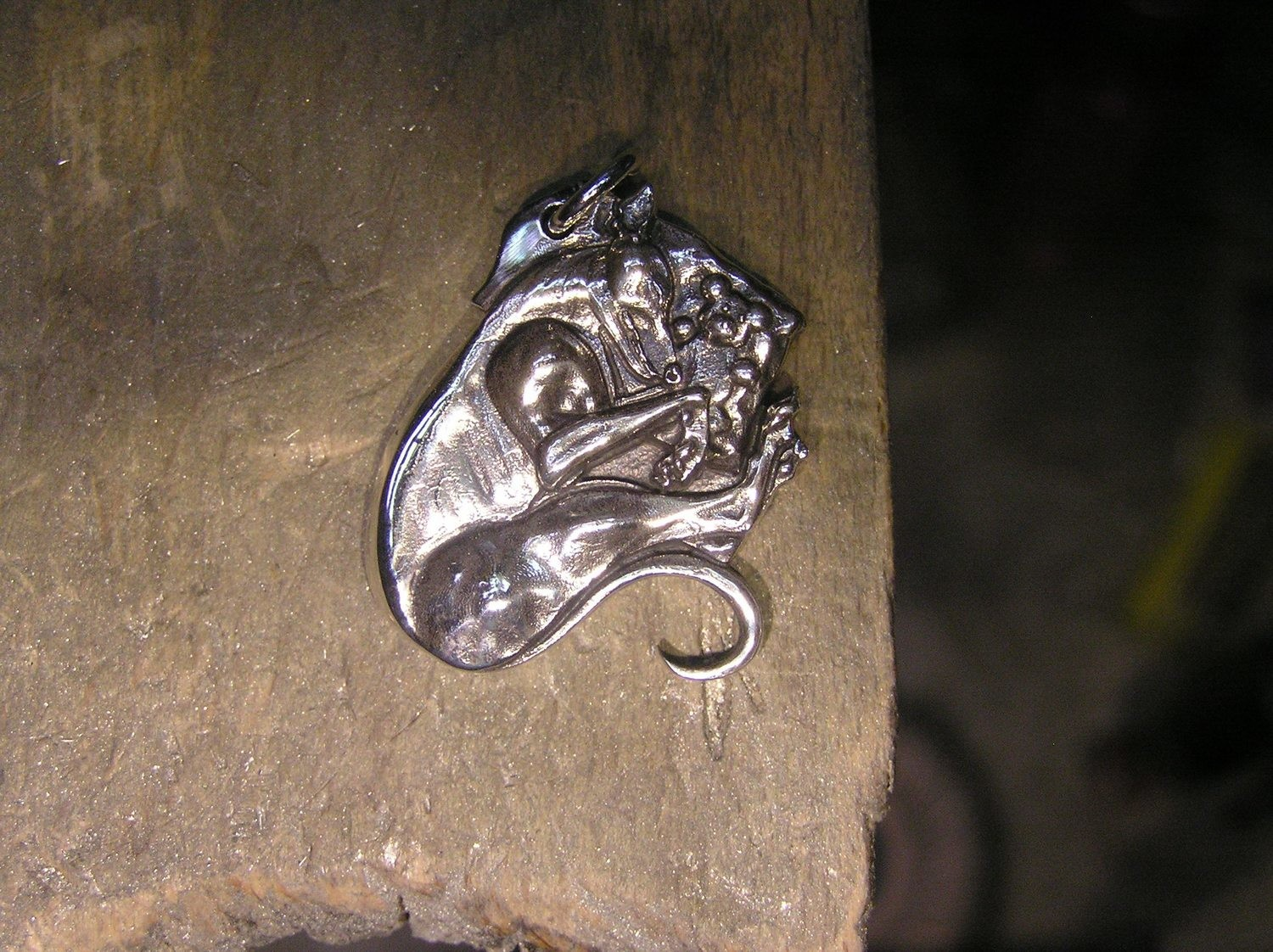 Old Hound teddy sterling silver pendant