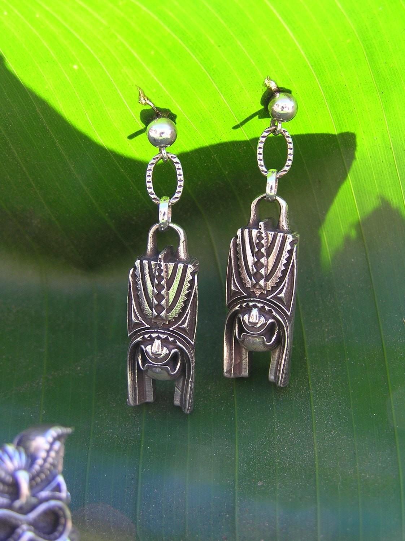 Puea, the Hawaiian God of Darkness  Earrings