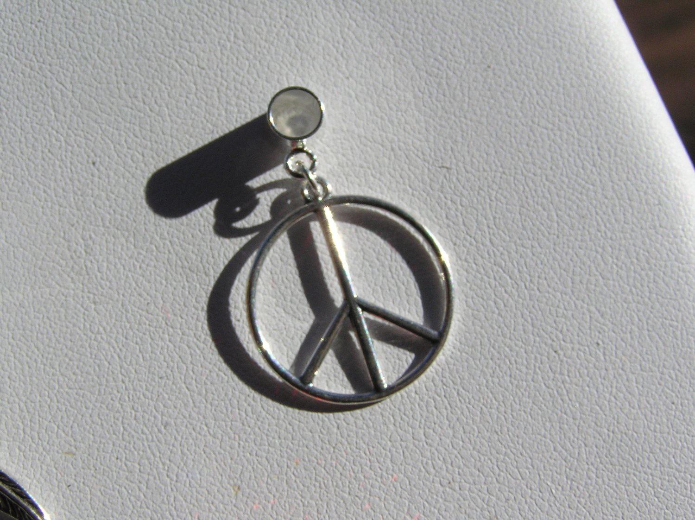 Charm Peace sign