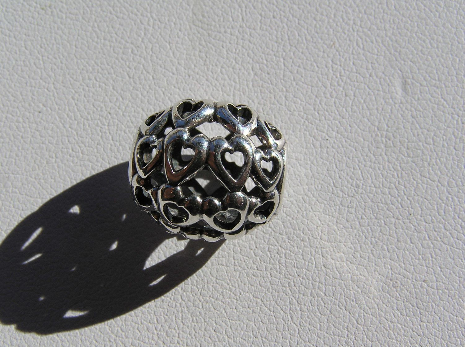 Accent bead Heart Filigree