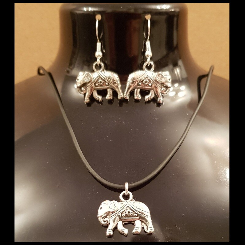 BEAUTIFUL ELEPHANT NECKLACE AND EARRING SET