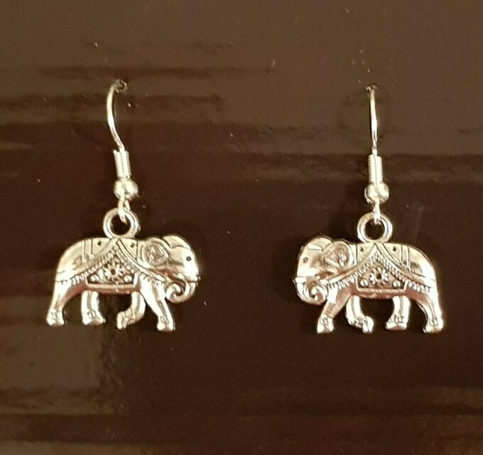 BEAUTIFUL ELEPHANT EARRINGS