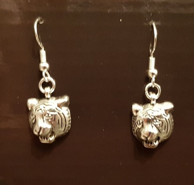 BEAUTIFUL TIGER EARRINGS