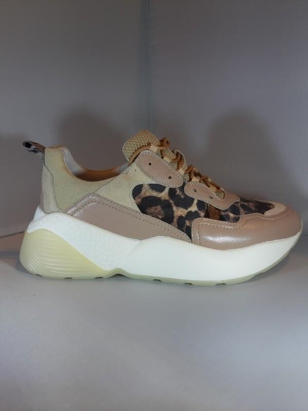 Lola Cruz   Sneaker beige leopard