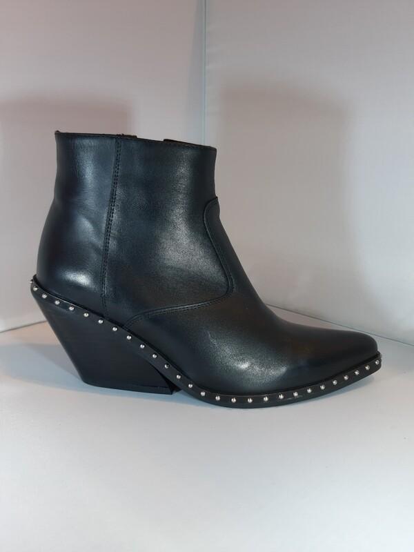 Frida | Cowboy leather black