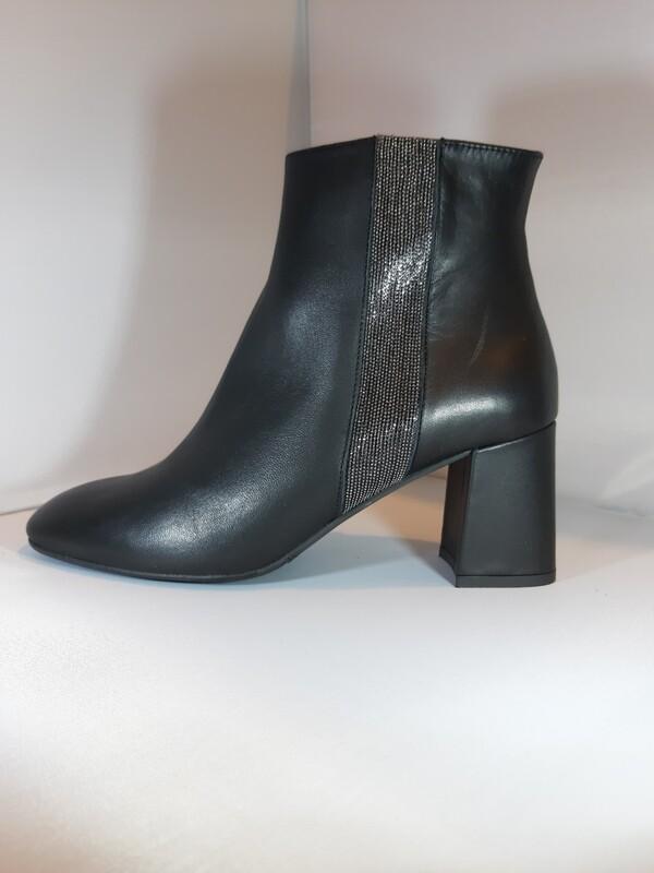 Catwalk | Boot hak zwart leder