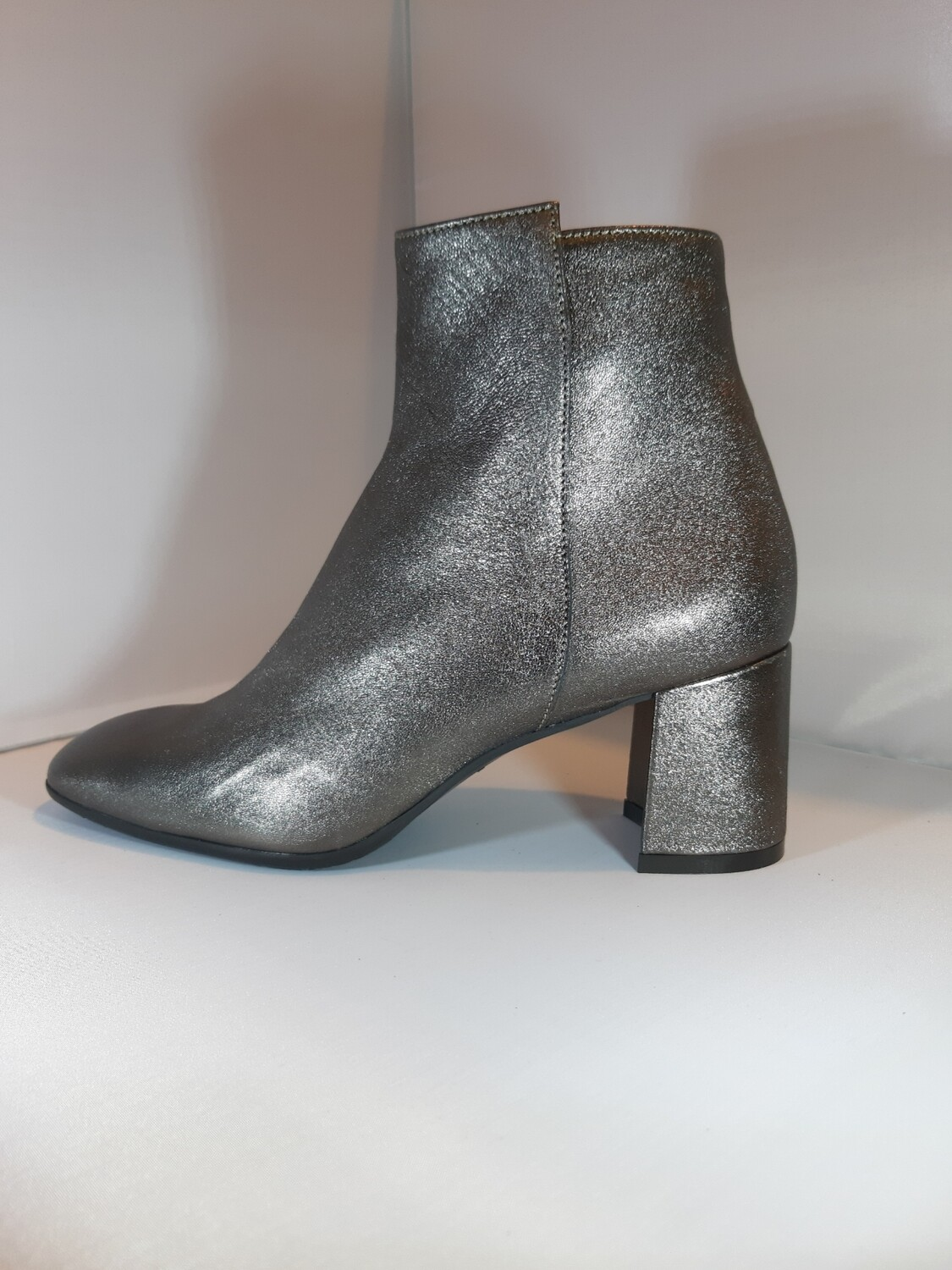 Legazzelle | Boot metallic antraciet