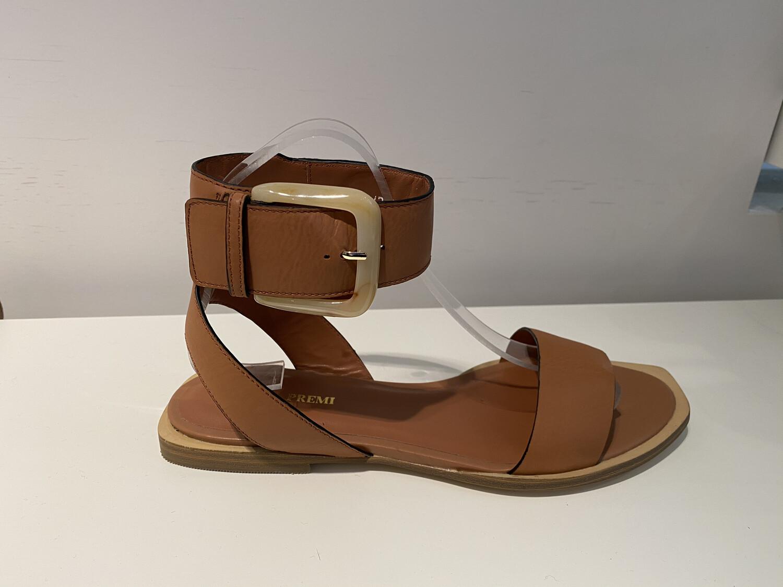 Bruno Premi / sandaal met mooie gesp cognac