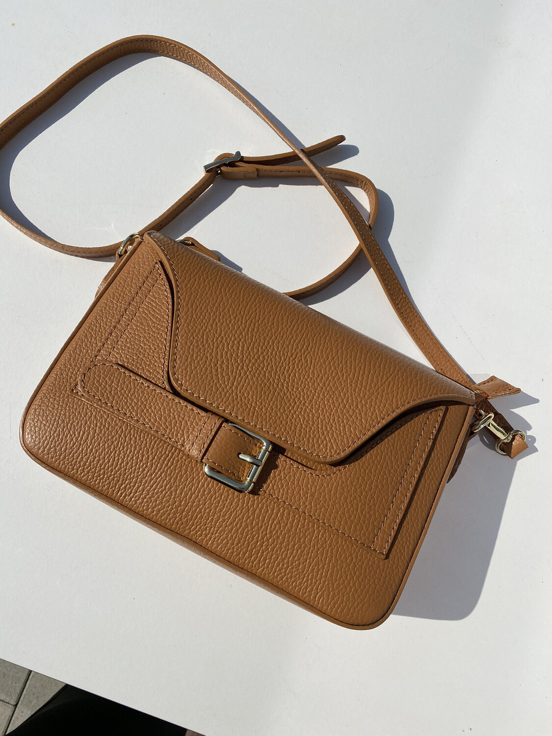 Mondieux madame / Crossbody Tas In Cognac Leder